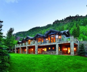 Ever since I laid my eyes on this newly-built Aspen residence, I've been totally in l...