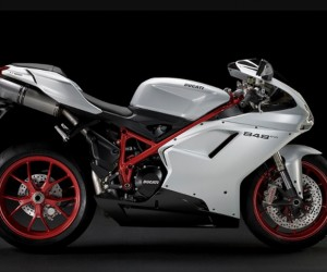 The 2011 Ducati Superbikes feature new trickle-down technology from Ducati's World