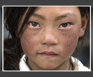 On the eastern side of the Tibetan Plateau, live the Khampa people, a strong, nomadic...