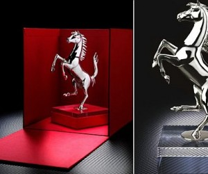 he sculpture is delivered in an eye-catching red box. The plexiglass base featuring a...
